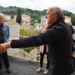 Il vice sindaco Meschini e l'ingegner Giorgetti in una scala esterna di emergenza