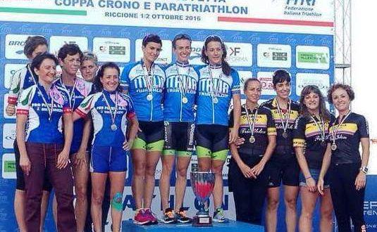 Le ragazze sul podio del campionato italiano