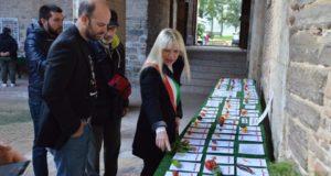Il sindaco Rosa Piermattei alla mostra