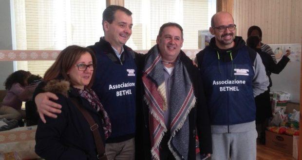 Il consigliere comunale Pierandrei assieme ai membri dell'associazione