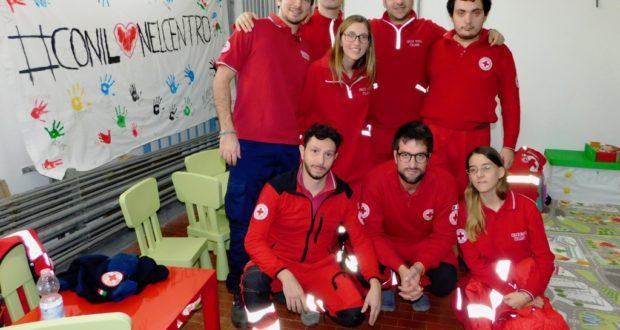 Alcuni volontari della Croce rossa
