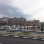 Il nostro ospedale con i camper dei senzatetto