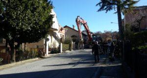 La prima casa ad essere demolita