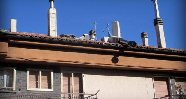 Una delle tante case lesionate dal sisma