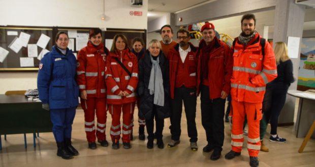 La squadra di psicologi con il preside Luciani e il sindaco Piermattei