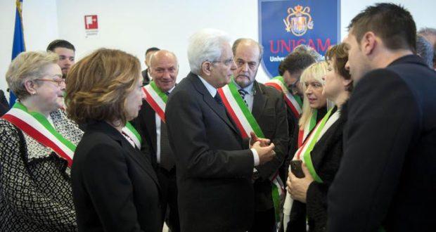 Il presidente della Repubblica Sergio Mattarella durante il suo incontro con i sindaci della provincia maceratese