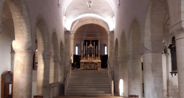 L'interno della basilica di San Lorenzo