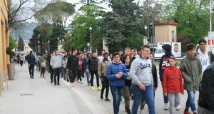 """Studenti del """"Divini"""" in cammino: ora li aspetta anche una nuova specializzazione"""