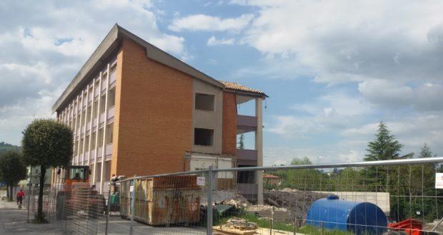 Iniziata l'opera di demolizione dell'edificio principale dell'Itis