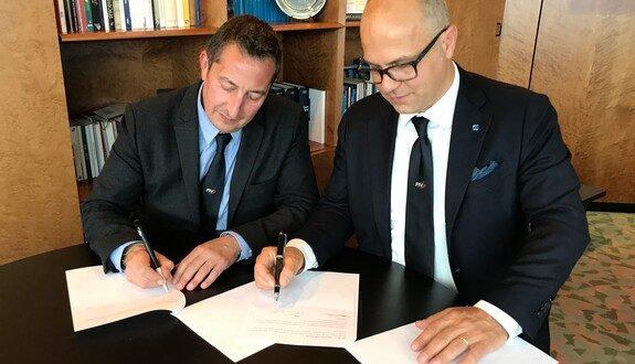 Oliviero Carducci firma il rinnovo quadriennale