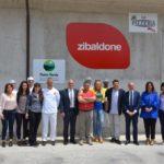 Titolari, dipendenti e delegazione politica di fronte al nuovo stabilimento