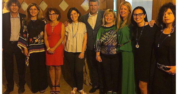 Il presidente Gobbi assieme all'uscente Nardi e al resto del nuovo direttivo