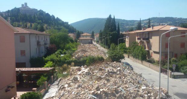 Abitazioni demolite nel rione Mazzini