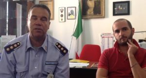 Jacopo Orlandani assieme al comandante della Polizia municipale, Sinobaldo Capaldi