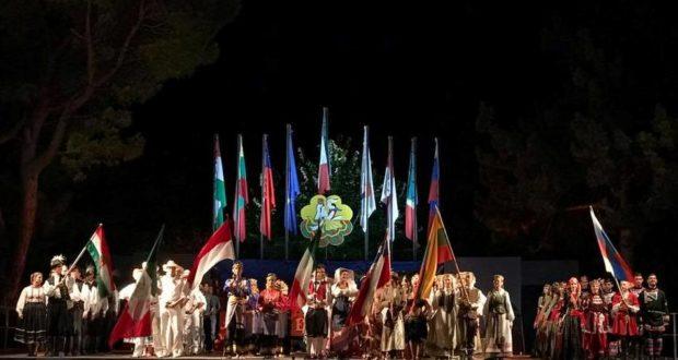 I gruppi alla serata conclusiva del Festival