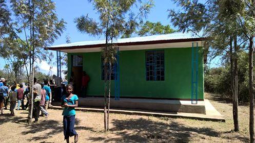 Uno degli edifici della scuola di Lenda