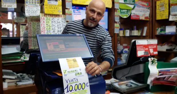 Il titolare della tabaccheria di viale Mazzini, Giuseppe Petinari