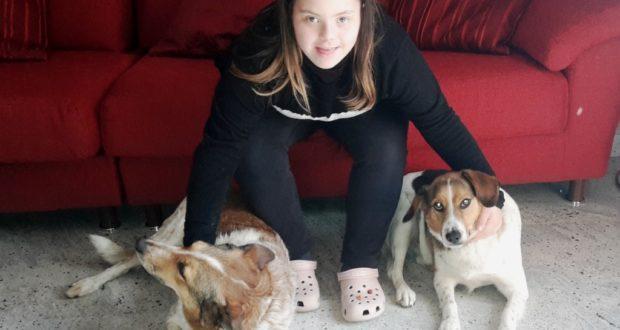 Sara Marinelli con i suoi cagnolini