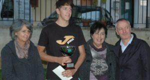 La premiazione del vincitore del torneo maschile