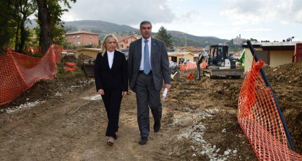 Borrelli con il sindaco durante il sopralluogo