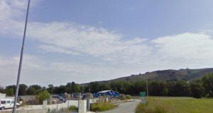 L'ingresso dell'isola ecologica a Taccoli