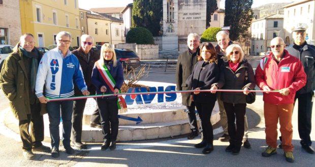 L'inaugurazione della rotatoria adottata dall'Avis