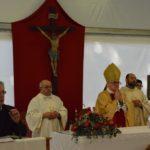 Il vescovo Brugnaro e l'assessore Tarcisio Antognozzi nel suo intervento di saluto