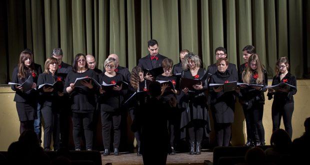 La foto di Piergiorgio Della Mora ritrae il gruppo vocale Tourdion Ensemble