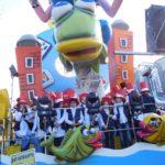 I bambini sui carri del Carnevale di Fano