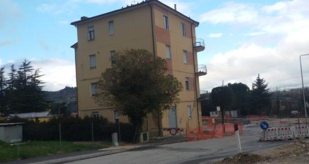 Una delle due palazzine che verranno demolite