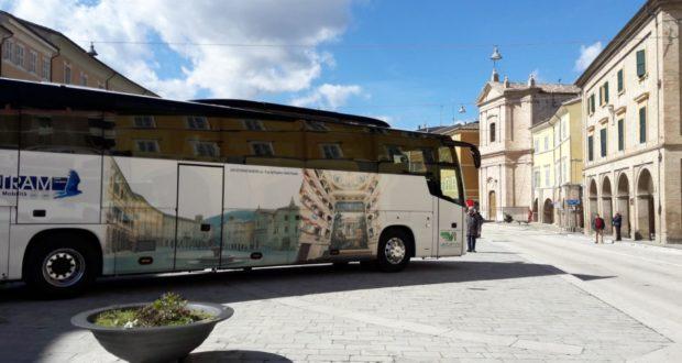 Il nuovo autobus della Contram dedicato a San Severino