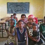 Alcuni bambini della scuola di Lenda