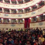 Studenti dell'Itis ascoltano le parole della De Micheli e dei tecnici
