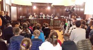 L'incontro dei ragazzi con il Consiglio comunale cittadino