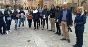 Gli studenti Unicam in Piazza del Popolo