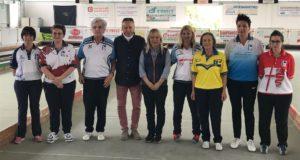 Il sindaco Rosa Piermattei e l'assessore allo Sport, Paolo Paoloni, assieme ad alcune protagoniste della sfida