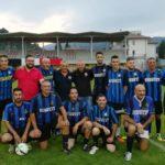 La squadra dell'Inter Club, capitanata da Sandro Foglia, nella foto prima del torneo assieme a mister Fabrizio Castori