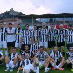 La squadra dello Juventus Club assieme al tecnico Castori prima del triangolare