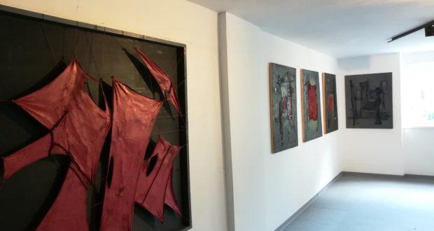Le opere di Shura Yuzzelli in mostra a Macerata