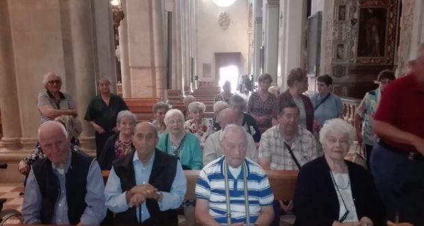 Alcuni dei partecipanti all'interno della Basilica di Loreto