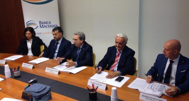La conferenza stampa di Banca Macerata