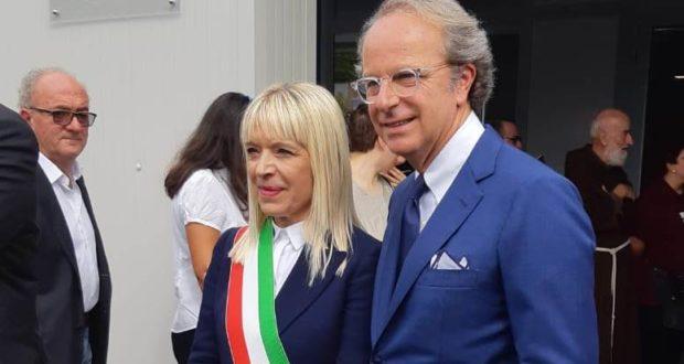 Il sindaco Rosa Piermattei con Andrea Della Valle