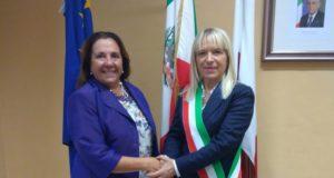 Il nuovo Prefetto, Iolanda Rolli, assieme al sindaco Rosa Piermattei