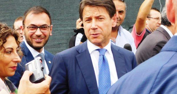 Il Presidente del Consiglio, Giuseppe Conte, dopo il taglio del nastro