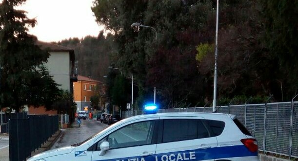 Polizia municipale in via San Sebastiano