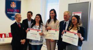 Maria Elena Giusepponi (la prima da destra) premiata a Camerino