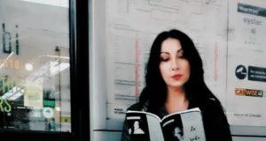 """Manuela Taffi con il suo libro """"Io Solo"""""""