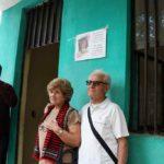 I coniugi Boldrini di fronte all'aula intitolata alla memoria della loro figlia Daniela