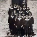 La maestra Anna con i suoi bambini