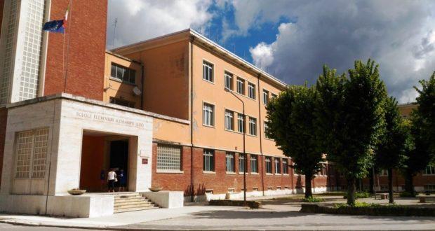 """La scuola """"Luzio"""""""
